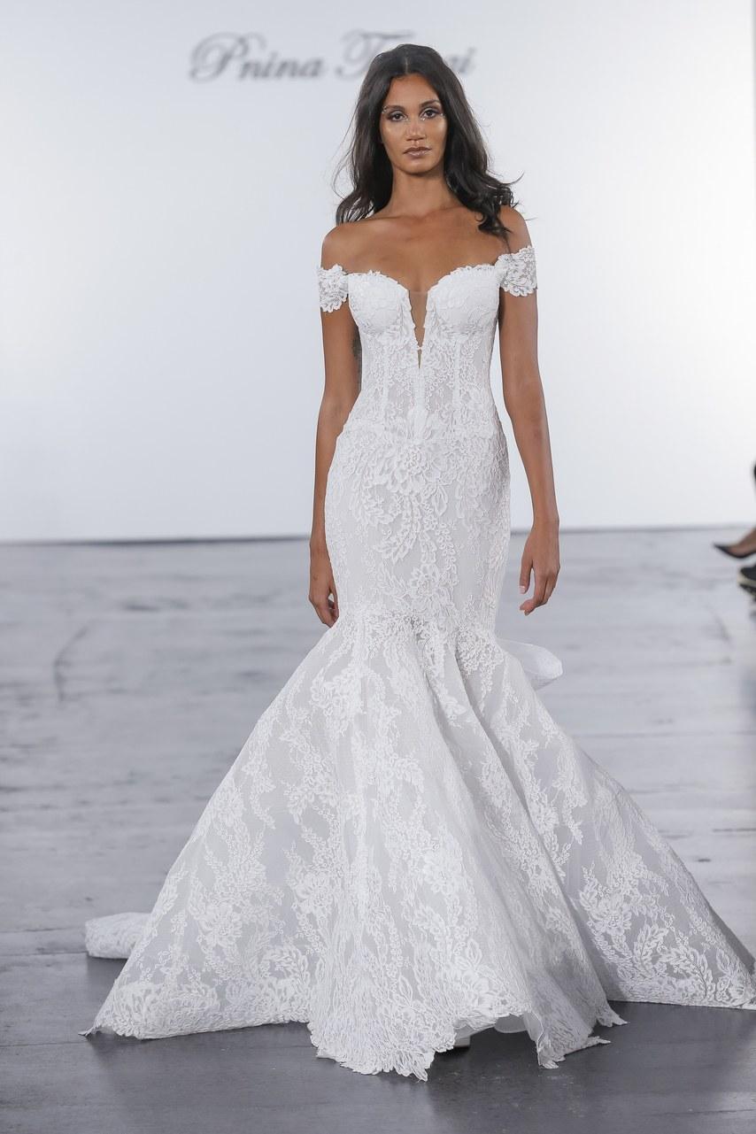 pnina-tornai-for-kleinfeld-wedding-dresses-fall-2018-020