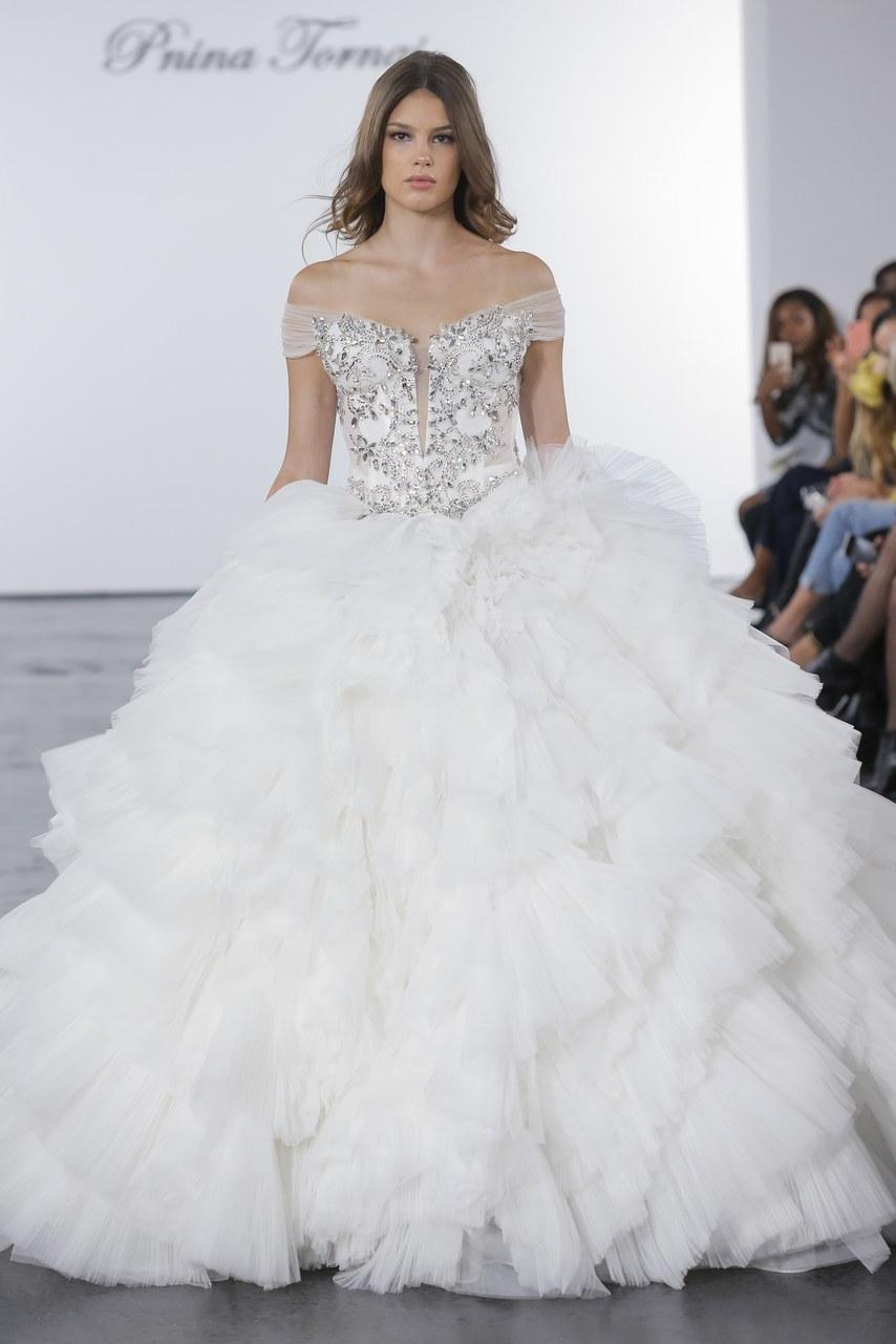 pnina-tornai-for-kleinfeld-wedding-dresses-fall-2018-022