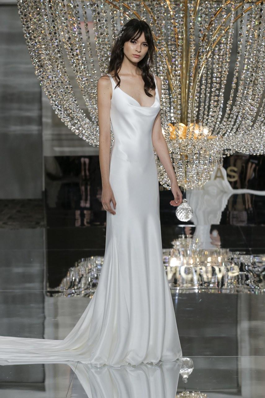 pronovias-wedding-dresses-fall-2018-011