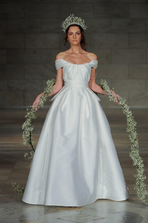 reem-acra-wedding-dresses-fall-2018-002