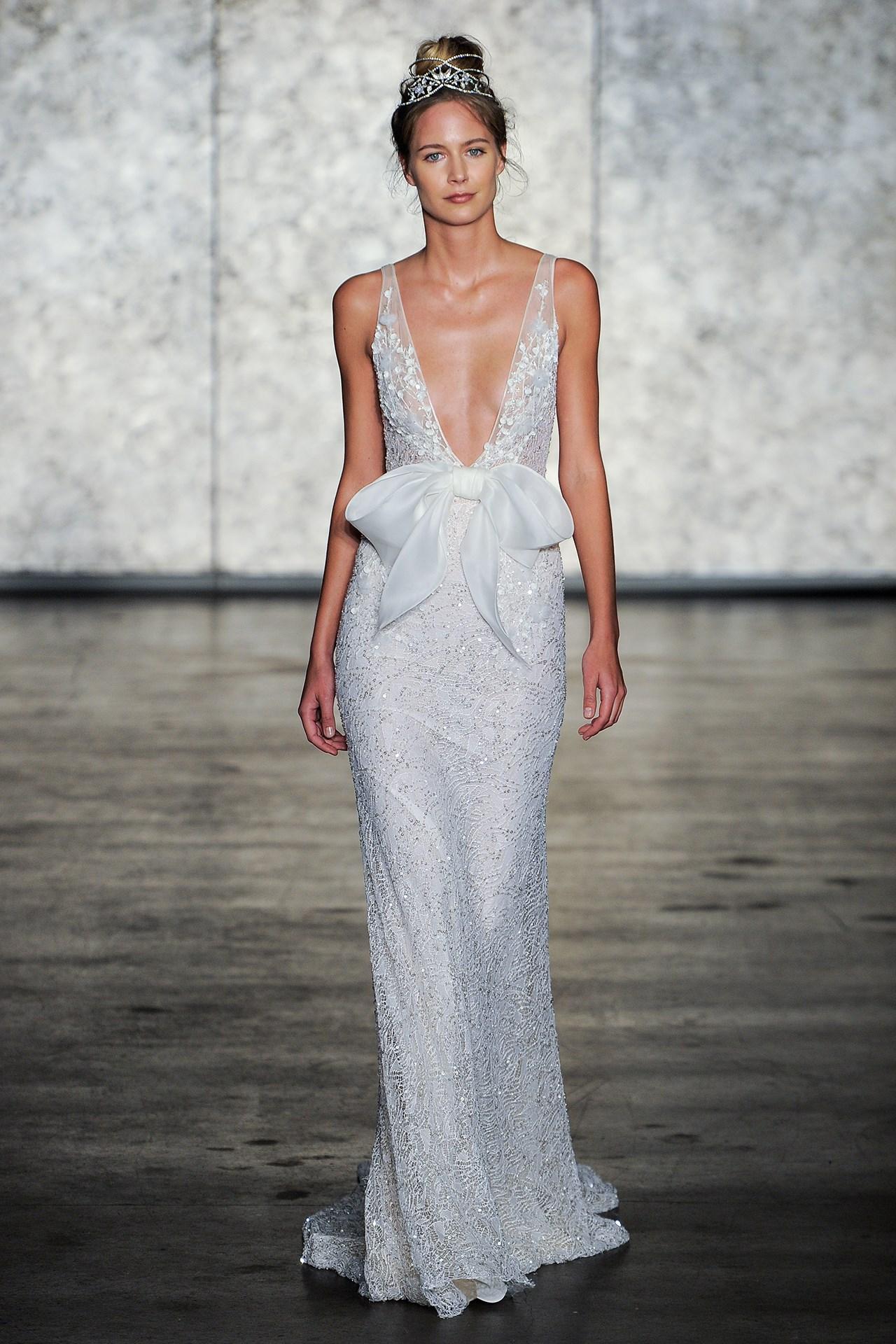 tendencia-vestido-noiva-2018-lacos-Inbal Dror