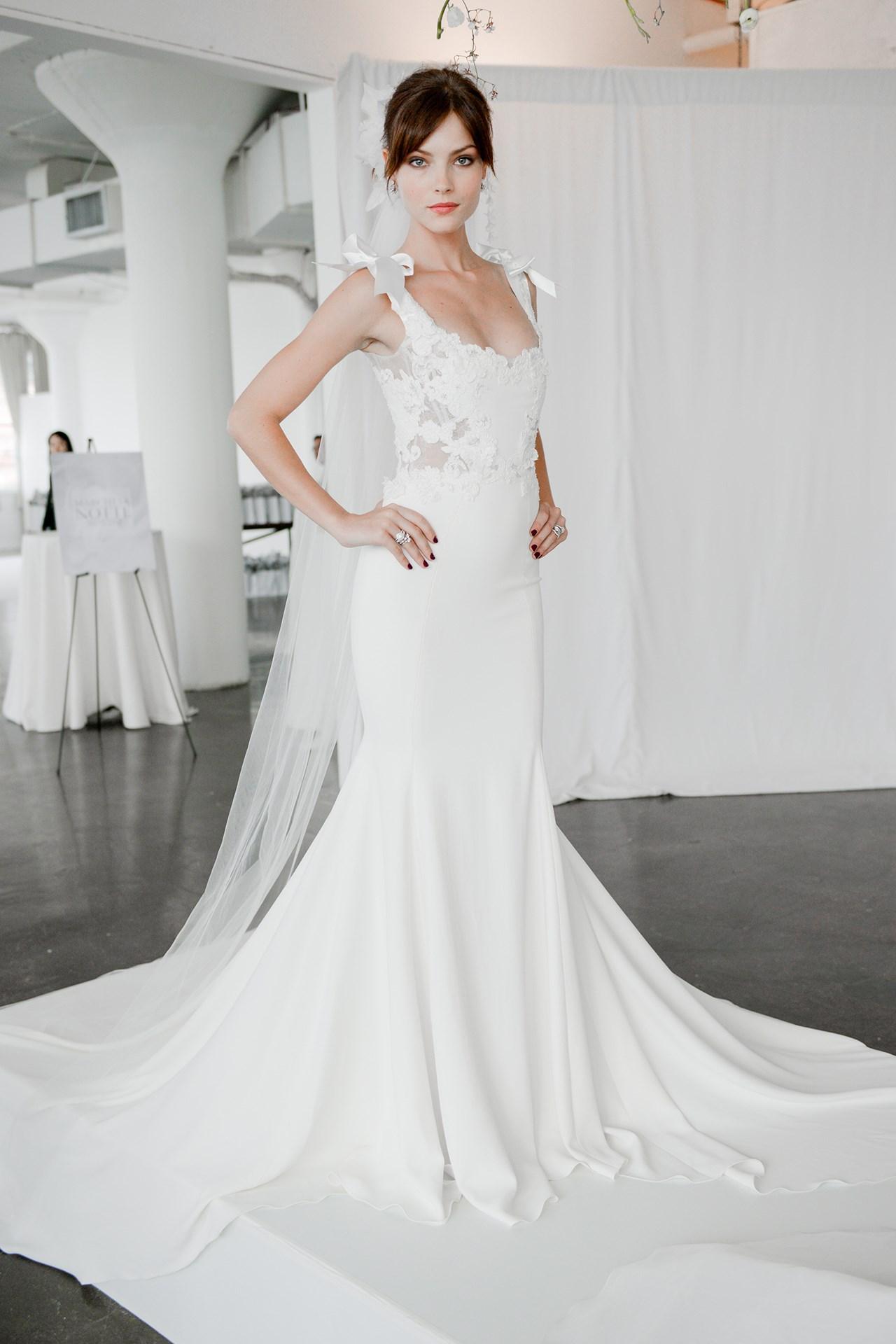 tendencia-vestido-noiva-2018-lacos-Marchesa