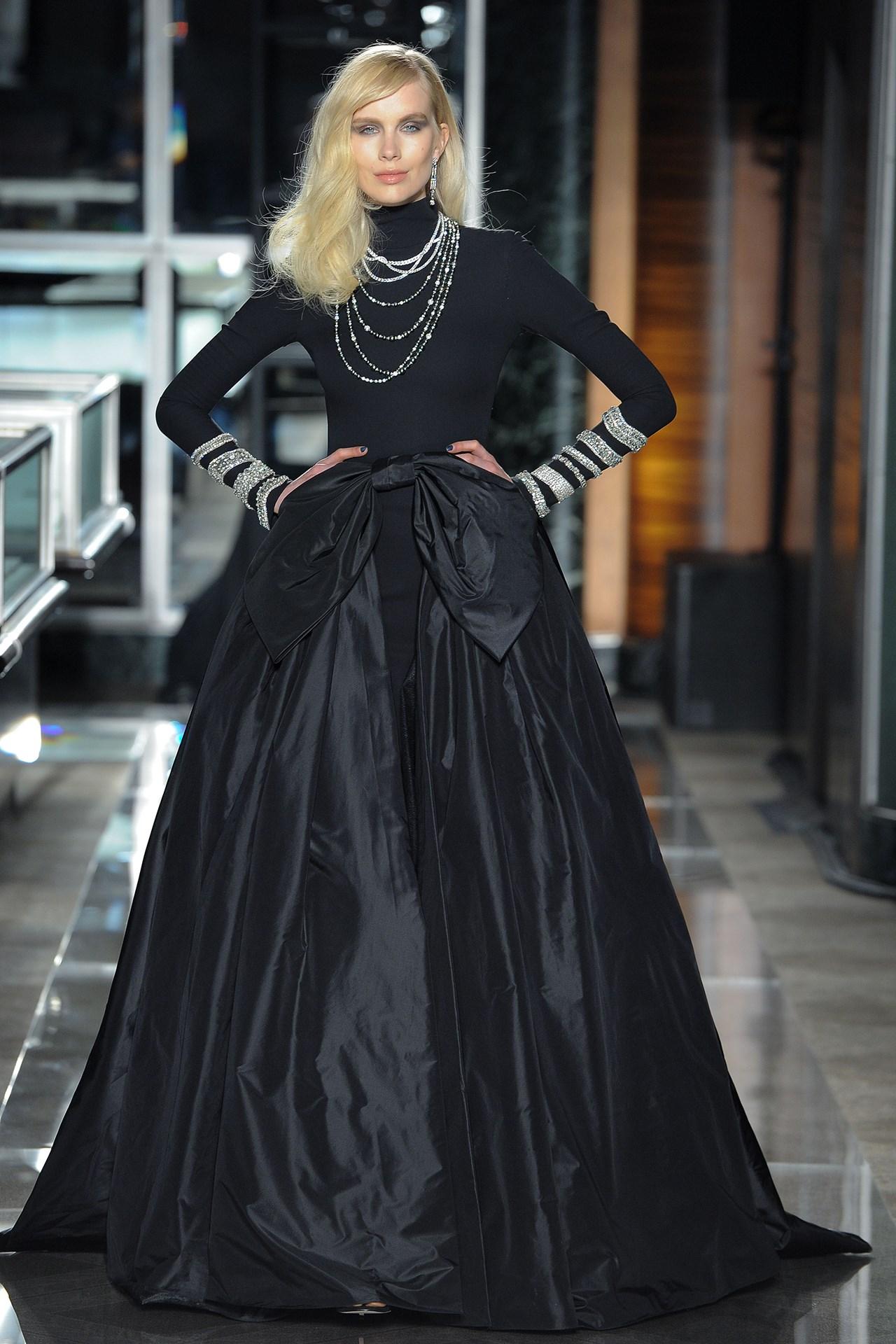 tendencia-vestido-noiva-2018-preto-Reem Acra