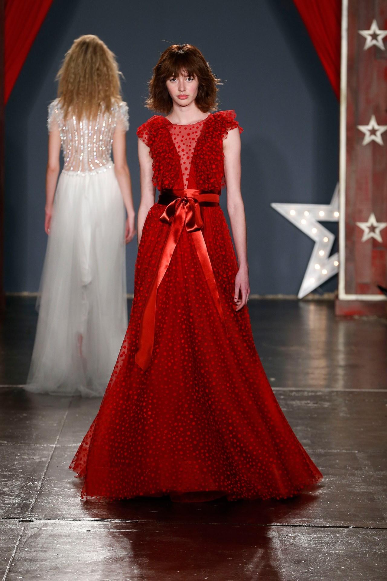 tendencia-vestido-noiva-2018-vermelho-Jenny Packham