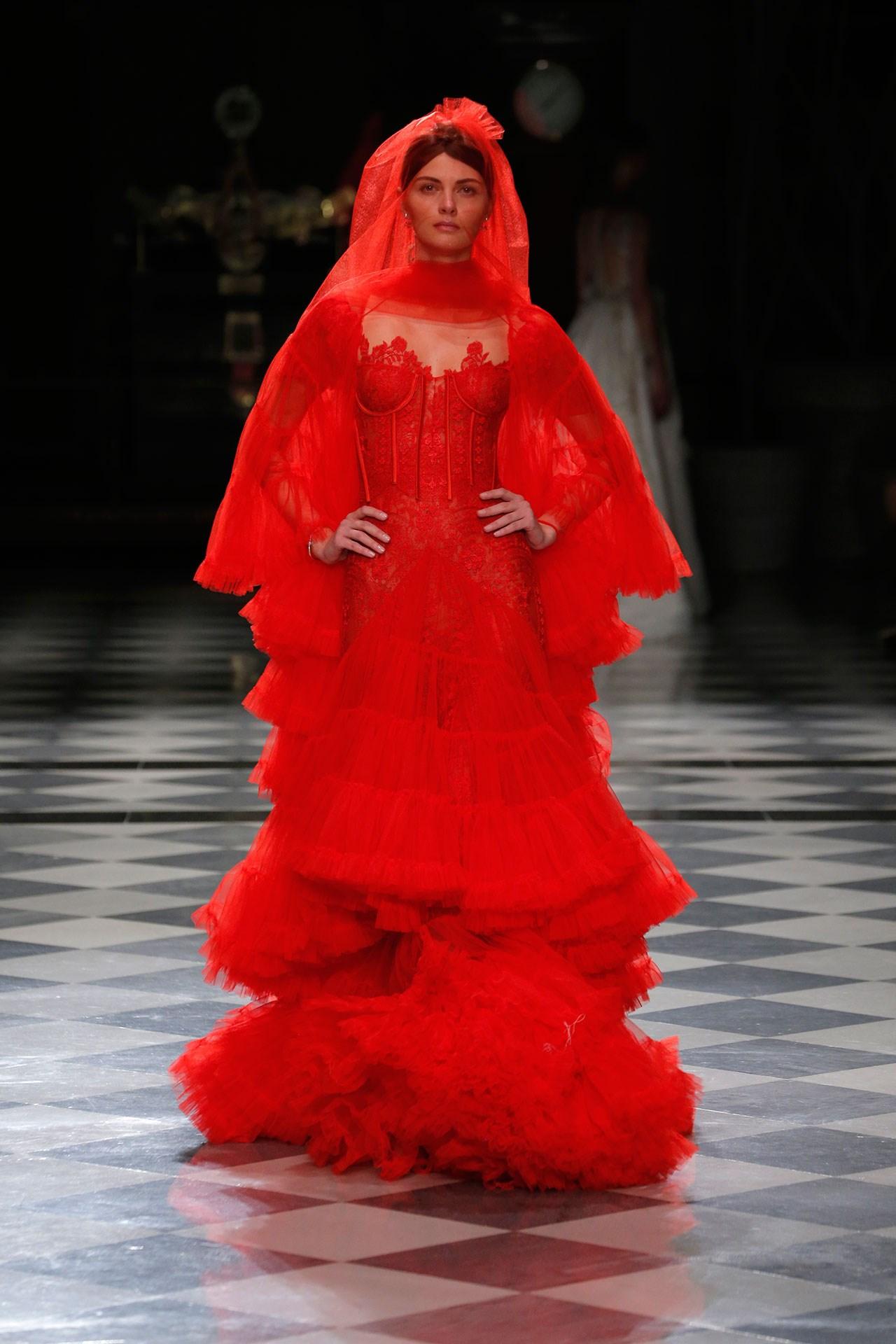 tendencia-vestido-noiva-2018-vermelho-YolanCris