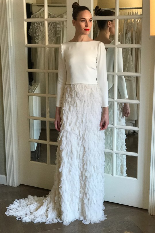 tendencia-vestido-noiva-2018-volume-plumagem-Halfpenny London