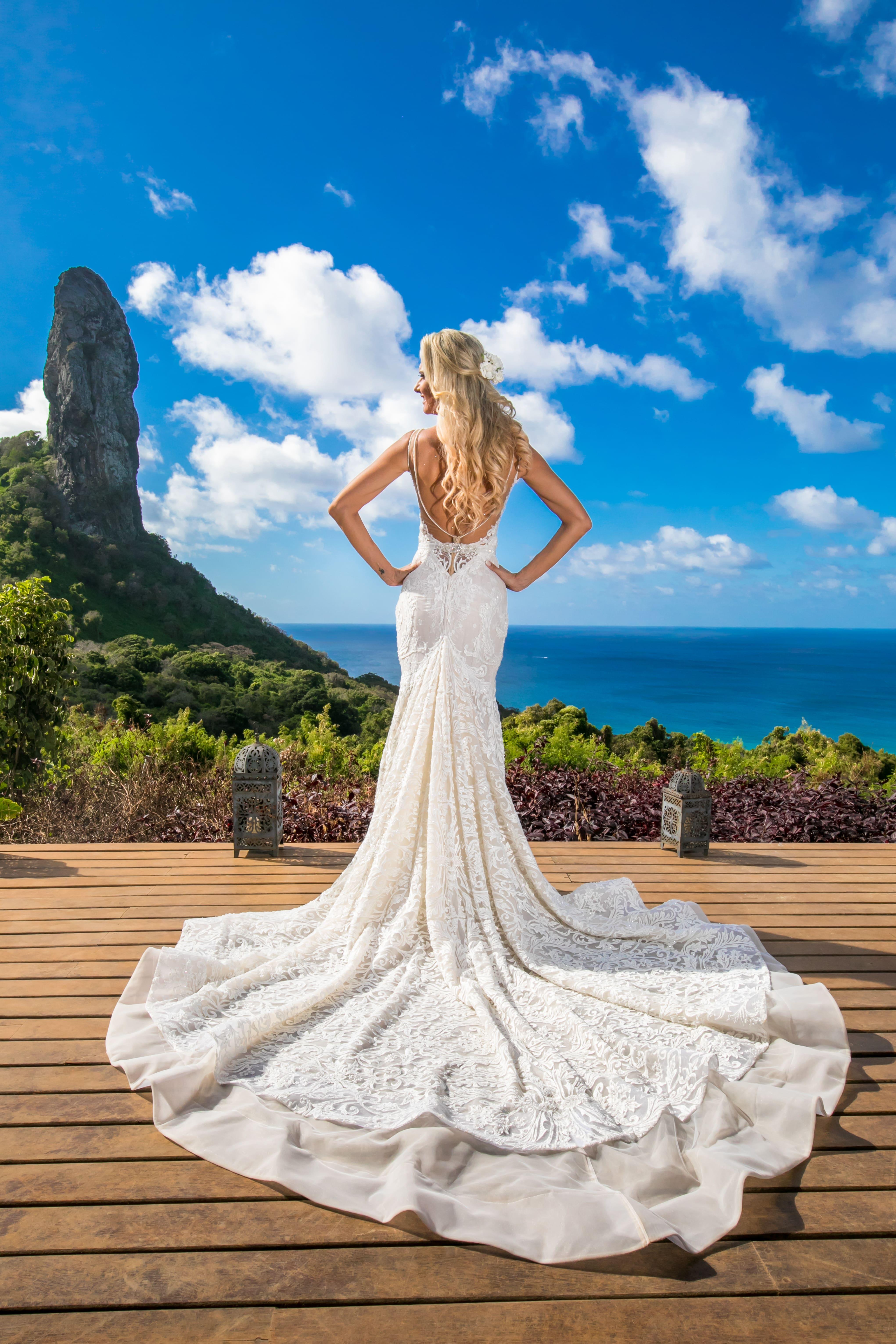 2 Lauren Castilhos com vestido Berta-min
