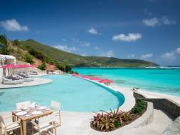 canouan-fine-dining-poolside