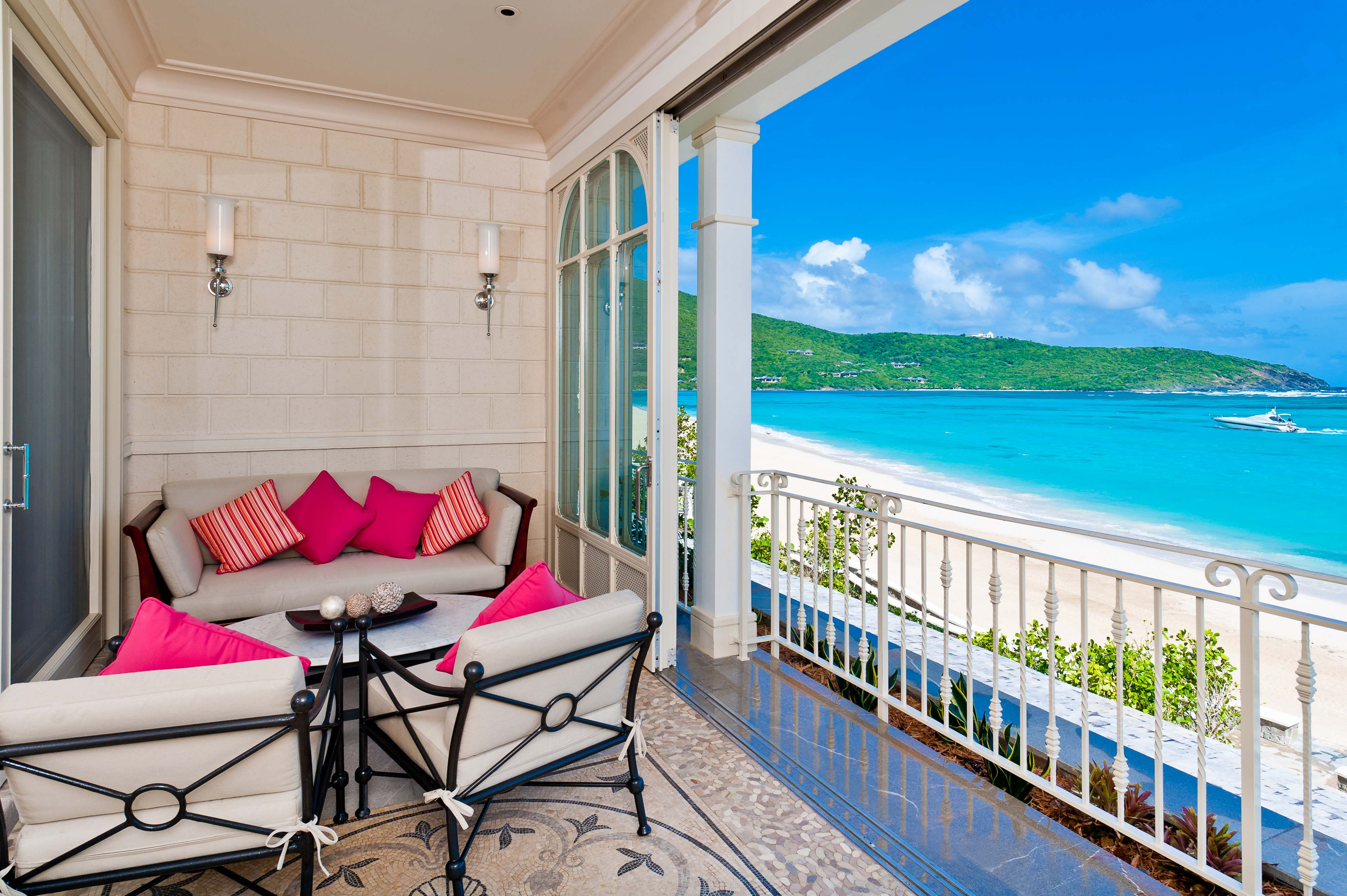 canouan-suite-one-bed-balcony