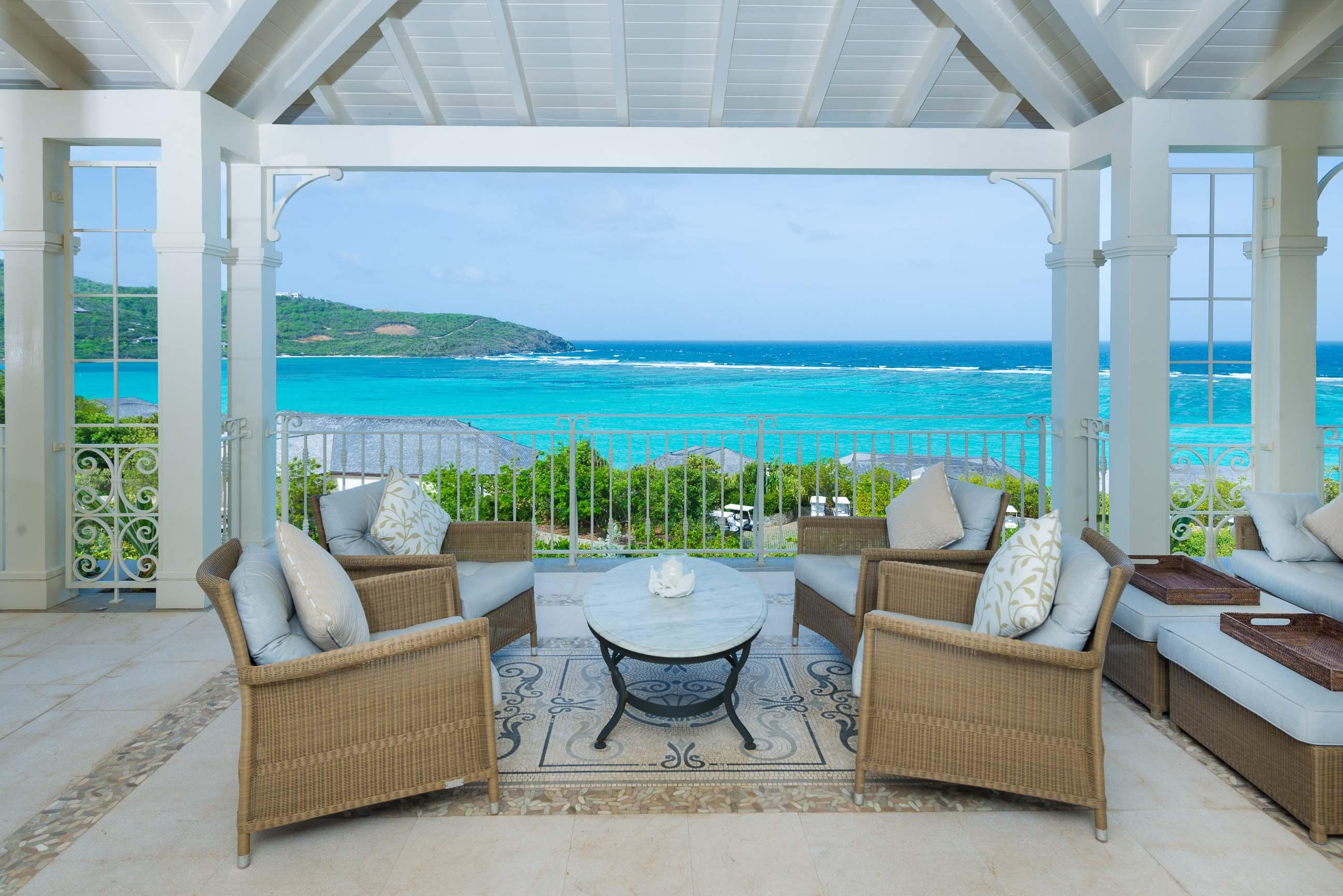 canouan-villa-balcony-01