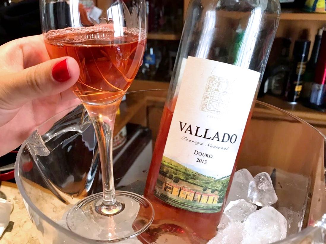 Vallado Touriga Rosé: para quem quer o charme de um vinho rosé na recepção