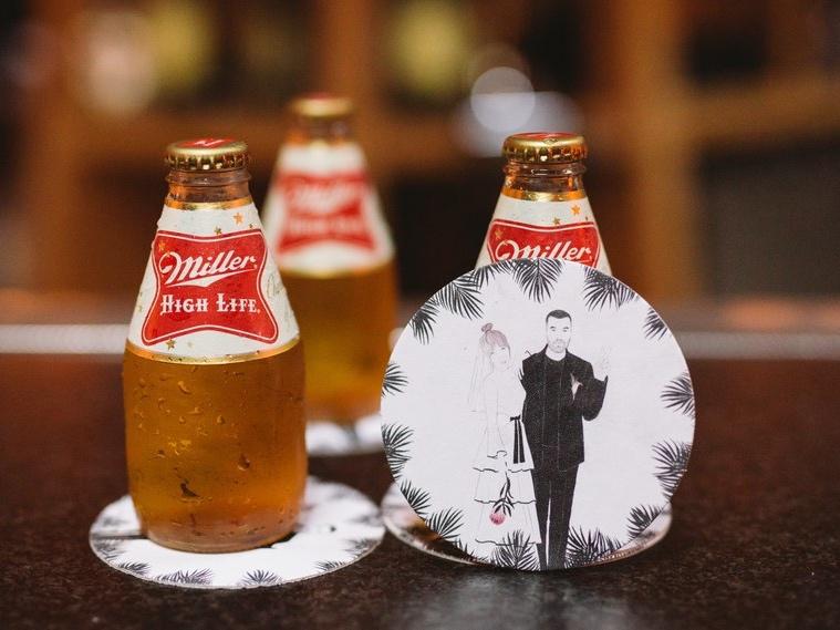 Como servir cerveja no seu casamento de jeitos criativos