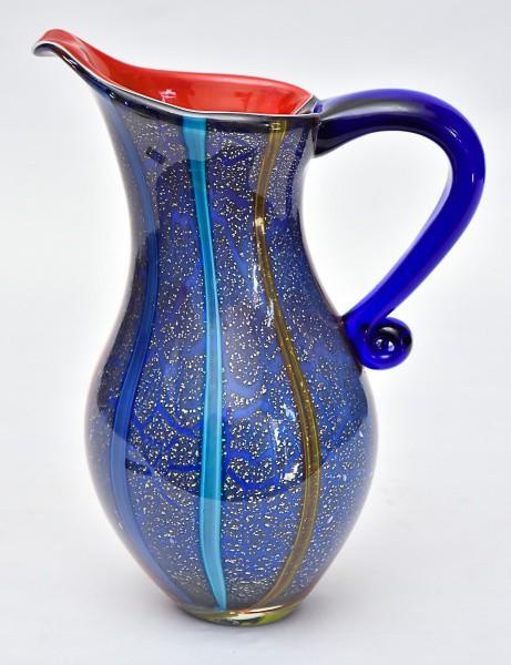 Lindíssima jarra de coleção em vidro de Murano multicolorido salpicado à pó de prata. Med.: 31x24 cm