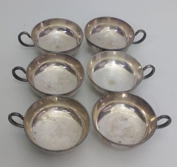 Seis taças para sorvete espessuradas á prata. Peças apresenta marca do tempo