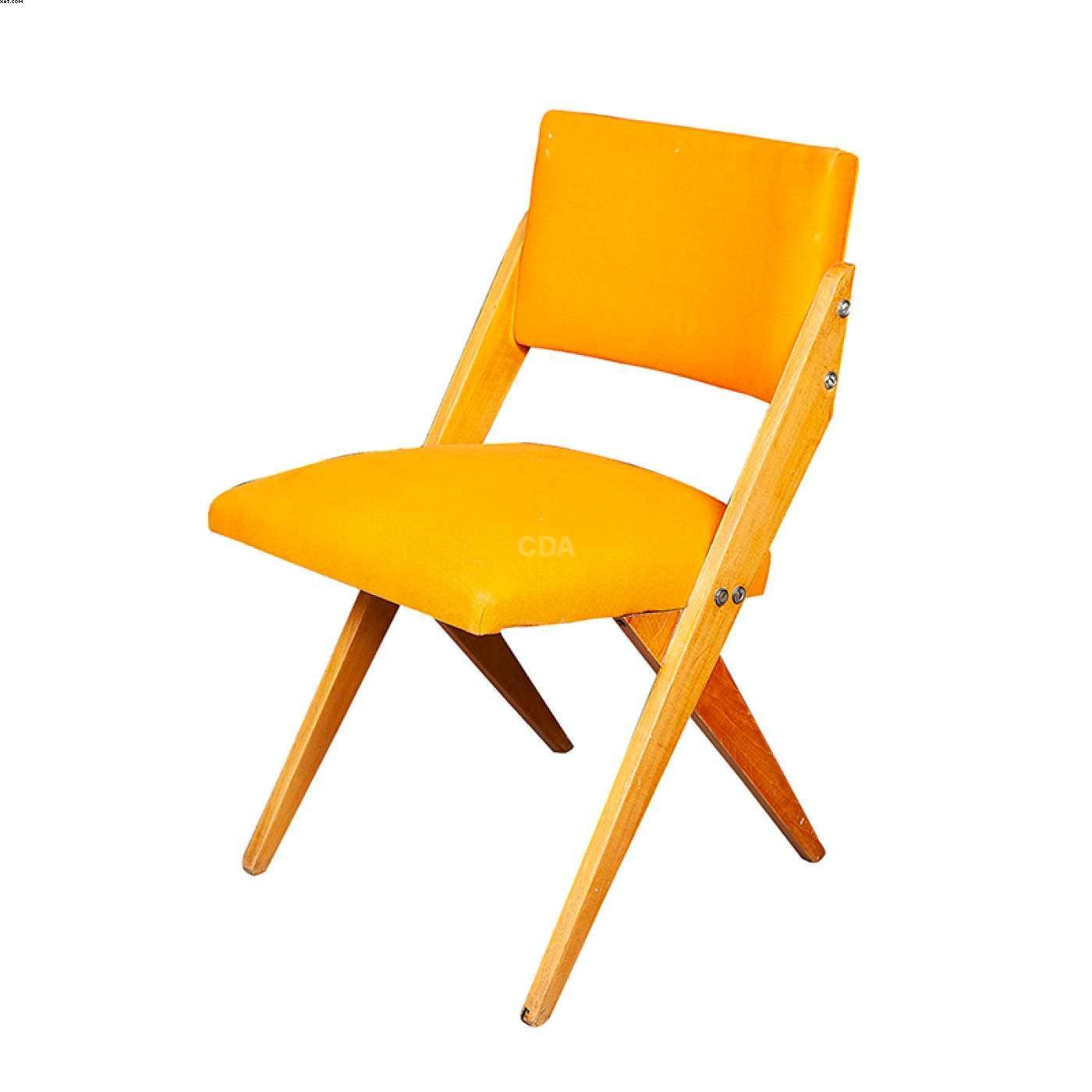 Cadeira com estofado em tecido amarelo  - Jose Zanine  Caldas