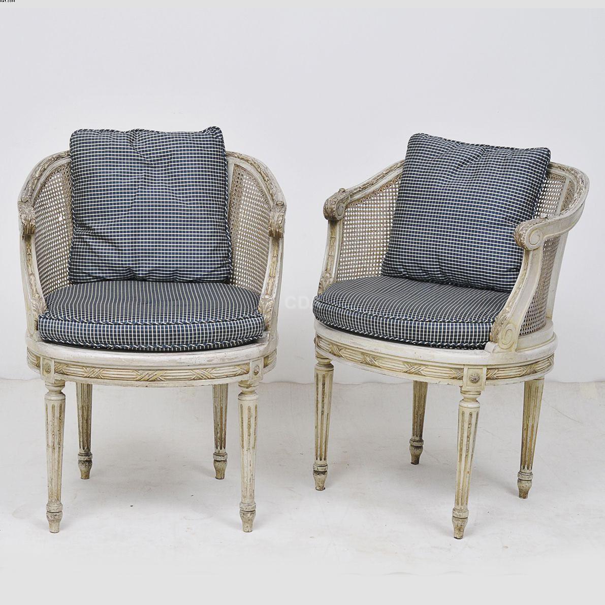 Par de graciosas cadeiras francesas Louis XVI