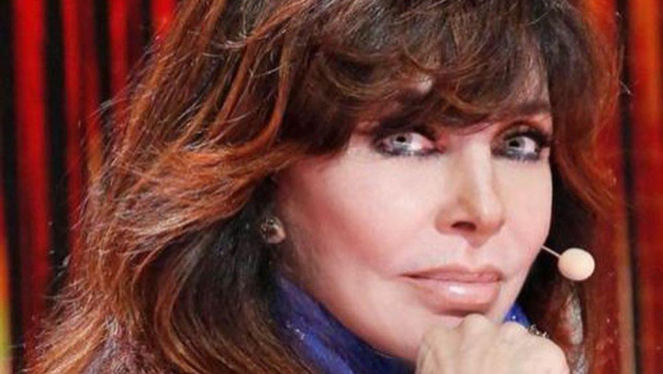 Luego de anunciar su retiro profesional, Verónica Castro rompió el silencio