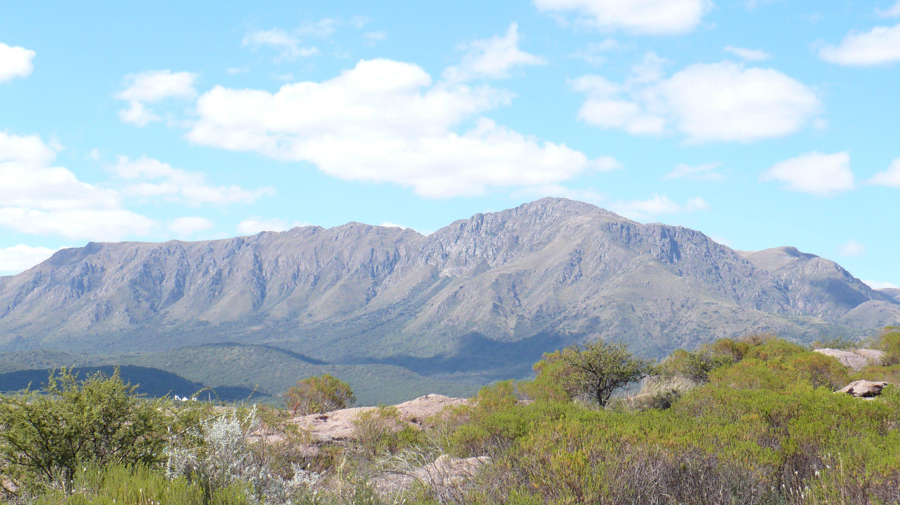 Insólito: clausuraron el Cerro Uritorco