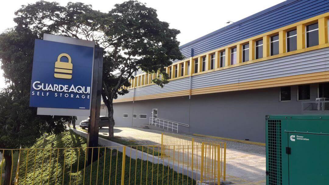 Fotografia da fachada do GuardeAqui Unidade Alphaville