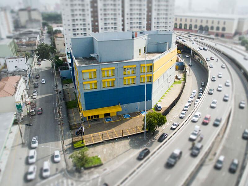 Fotografia da fachada do GuardeAqui Unidade Liberdade