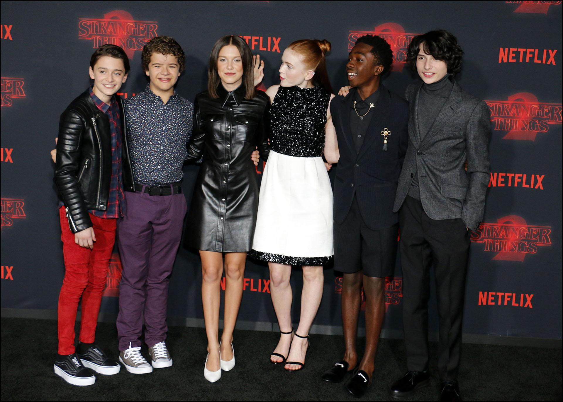 El elenco de Stranger Things en la premiere de la segunda temporada.