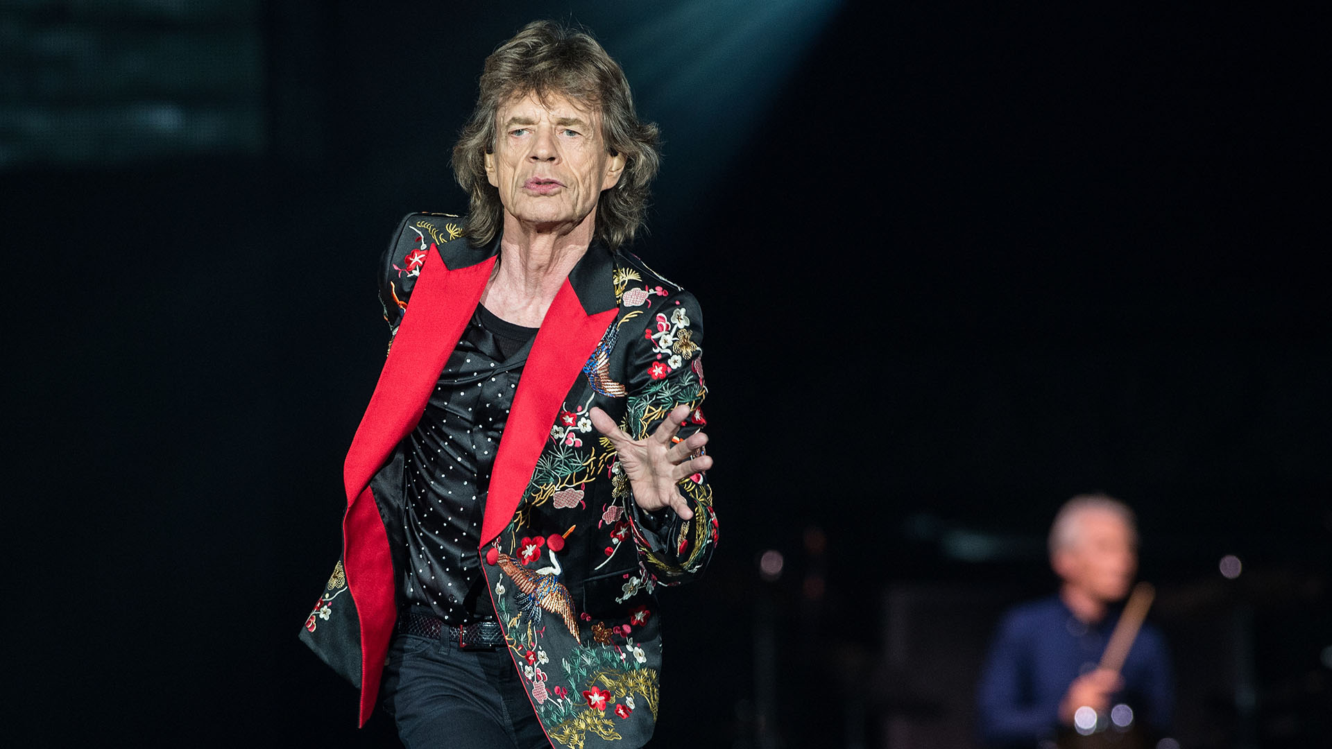 NANTERRE, FRANCE - OCTOBER 19: Mick Jagger of The Rolling Stones performs live on stage at U Arena on October 19, 2017 in Nanterre, France. (Photo by Brian Rasic/WireImage)
