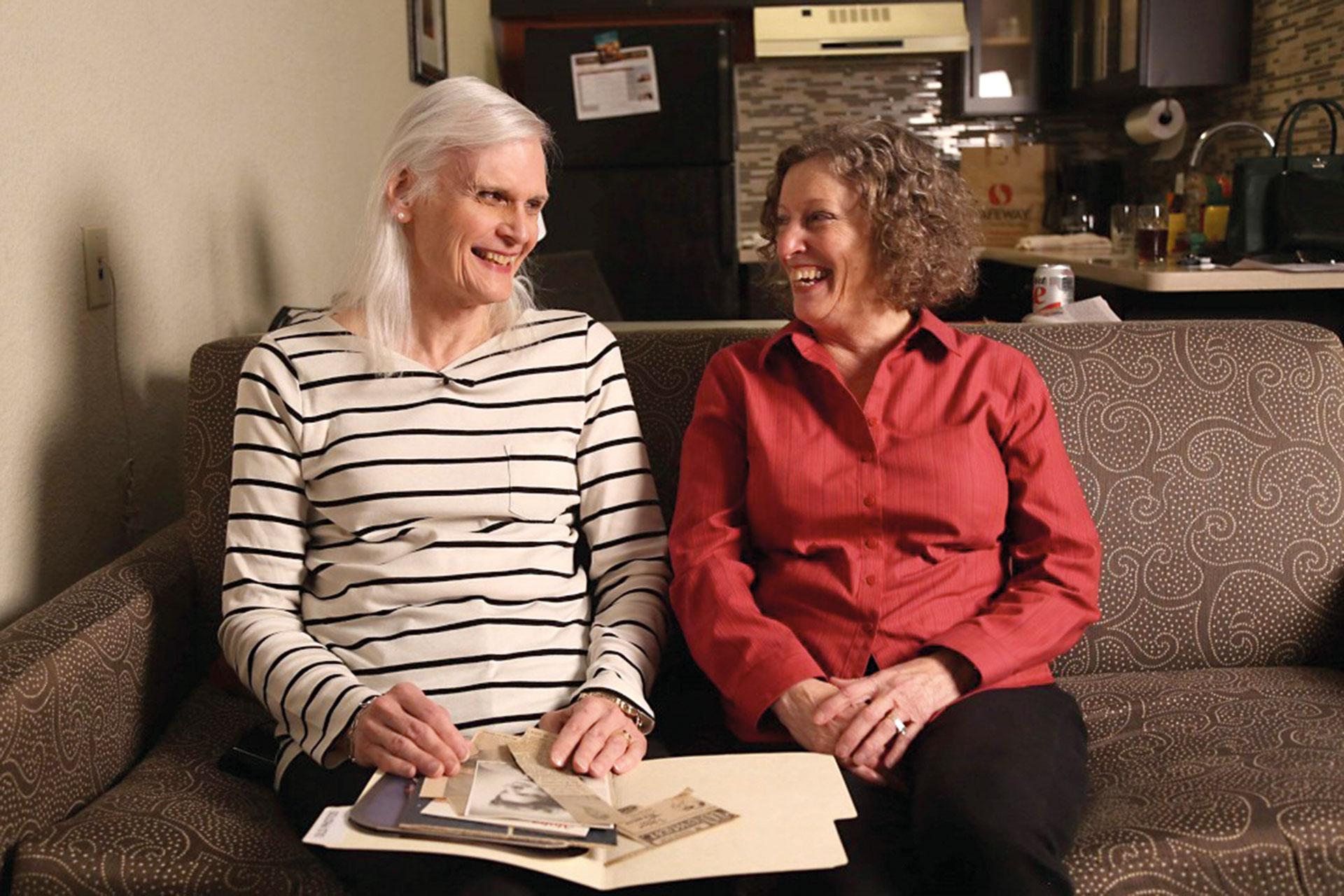 Después de 44 años de matrimonio, Linda aceptó que su marido, Bill, se transformara en una mujer.