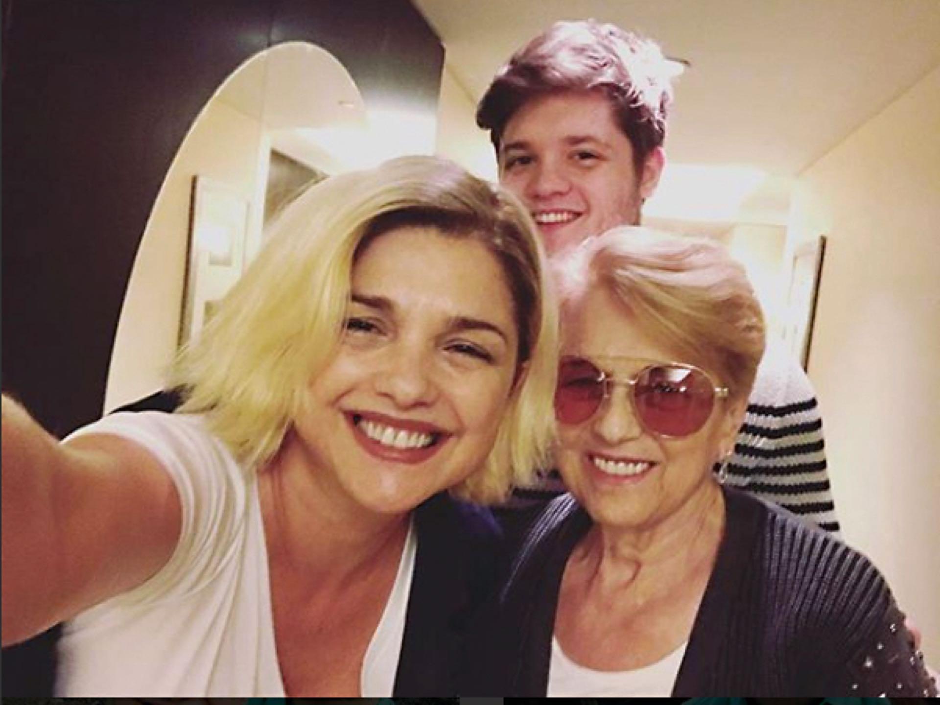 Junto a su mamá y Tomás.