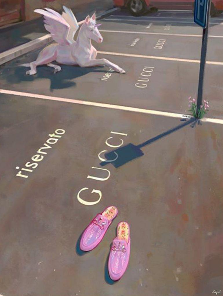 Gucci también presentó esta tonalidad como parte de su propuesta de accesorios