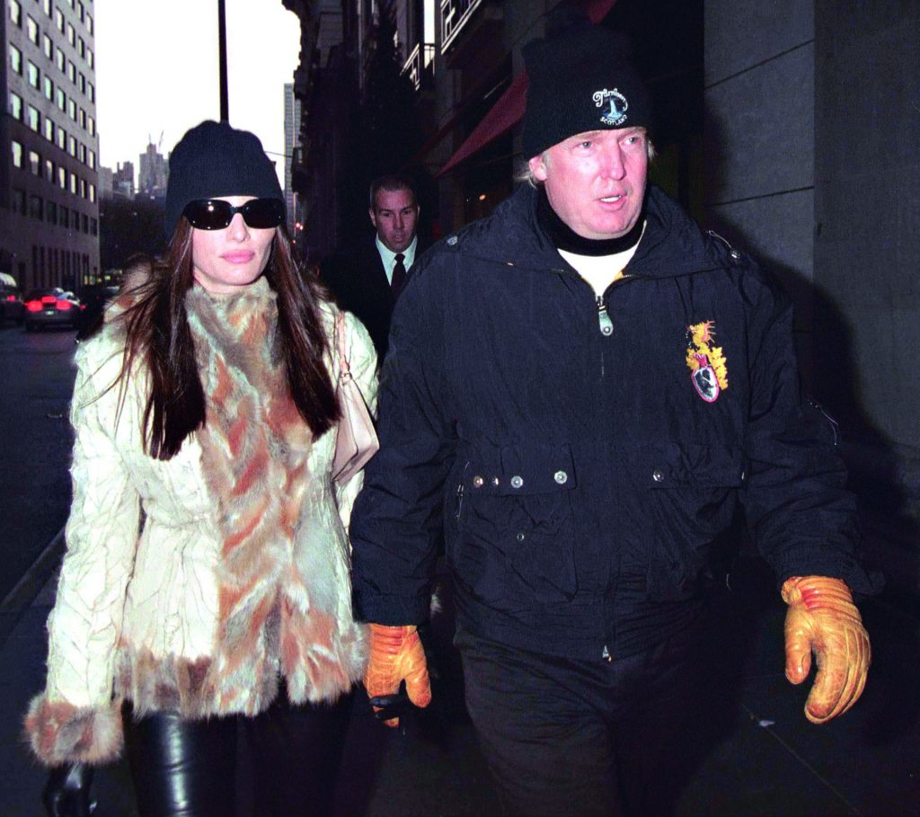©QUEEN INTERNATIONAL Ref: SP/LSNY 050102 A bundled up Donald Trump and girlfriend Melania Knauss exit Barney