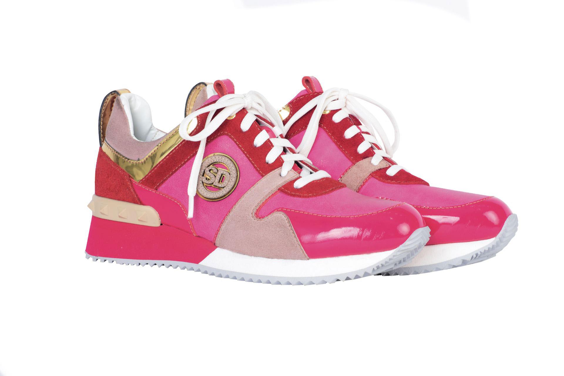 Zapatillas combinadas ($ 4.500, Saverio di Ricci).