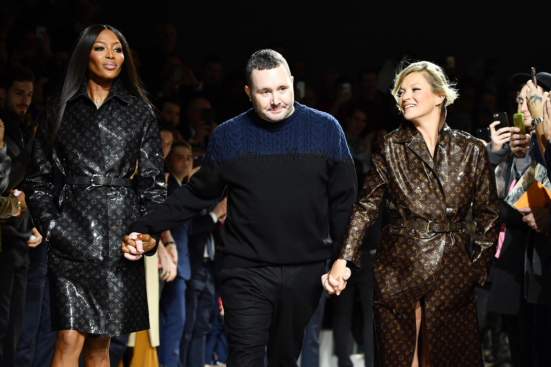 PARIS, FRANCE - JANUARY 18: (L-R) Naomi Campbell, Kim Jones and Kate Moss walk the runway during the Louis Vuitton Menswear Fall/Winter 2018-2019 show as part of Paris Fashion Week on January 18, 2018 in Paris, France. (Photo by Pascal Le Segretain/Getty Images)