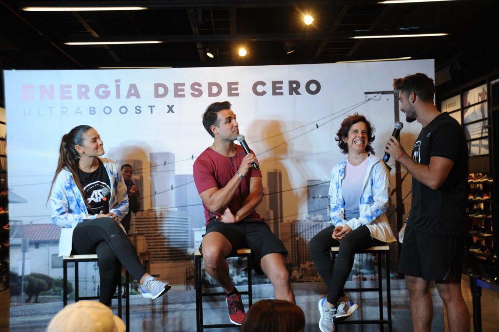 Micaela y Nicolás, liderando el ciclo de charlas organizado por la marca.