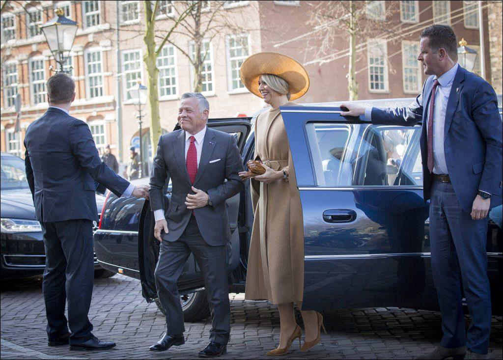 Le roi Abdallah II de Jordanie et la reine Maxima des Pays-Bas - ArrivÈes au thÈ'tre Dilligentia ‡ La Haye. Le 20 mars 2018 Den Haag, 20-03-2018 Official visit of King Abdullah II and King Rania of Jordan to The Netherlands Visit theatre Dilligentia