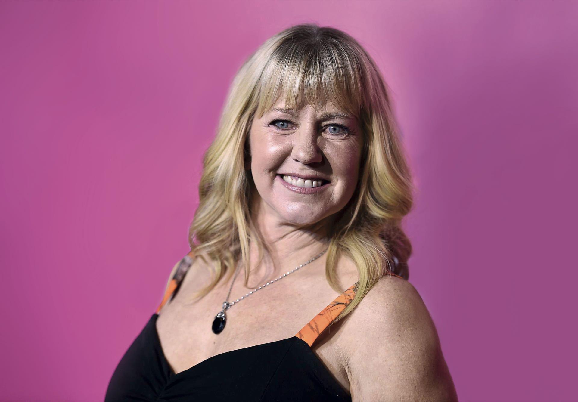 A sus 57 años, Tonya Harding elige hacerse llamar Tonya Prince.