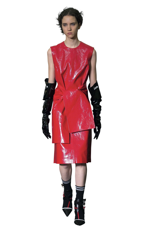 La firma MSGM lo usó en vestidos y mitones.