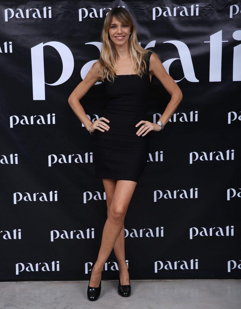 Lorena Ceriscioli opt{o por un clásico vestido negro de Roma Remon