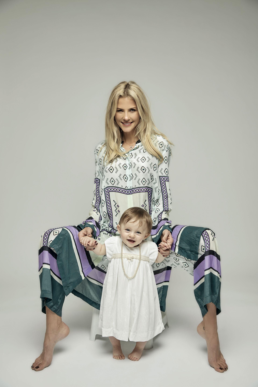 Con su hija Lynda.