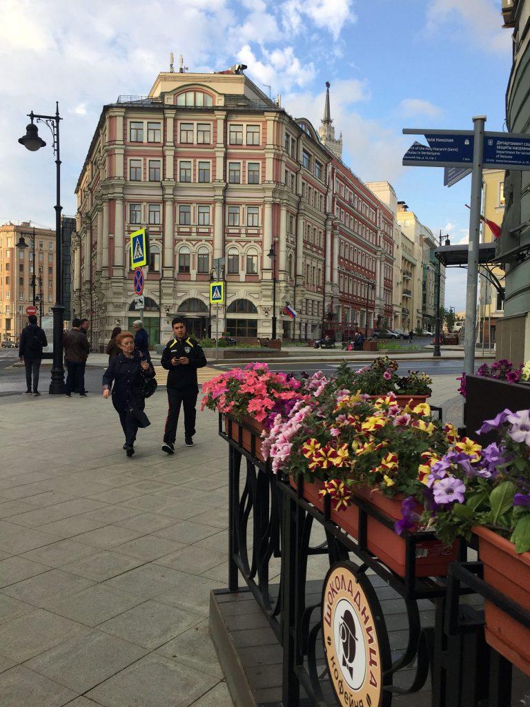 Una de las avenidas principales de Moscú libre de tránsito mundialista