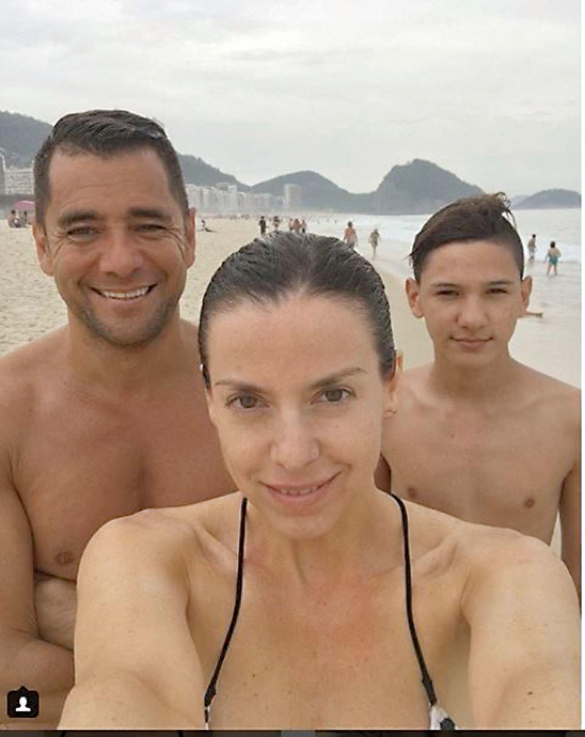 Con su novio, el periodista Cecilio Flematti (44) y su hijo, Lorenzo (16) en una de las tantas imágenes que Mercedes sube a su cuenta de Instagram.