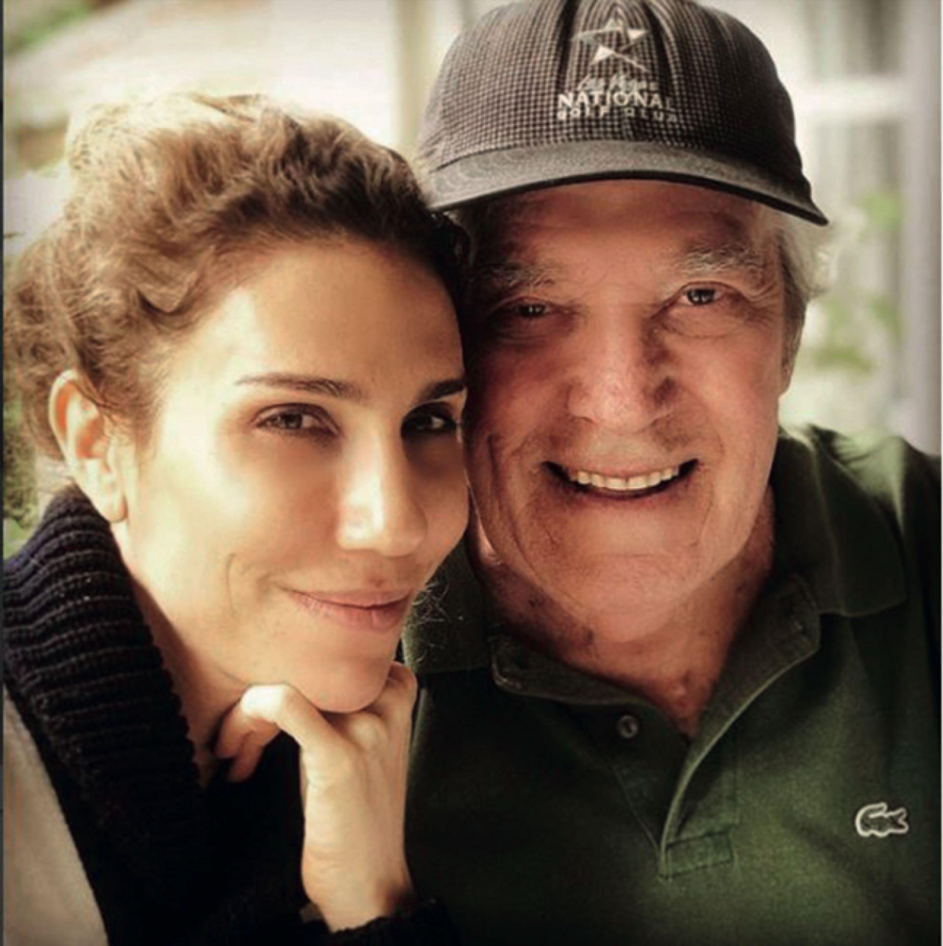 Julieta con su papá, Chico Novarro.