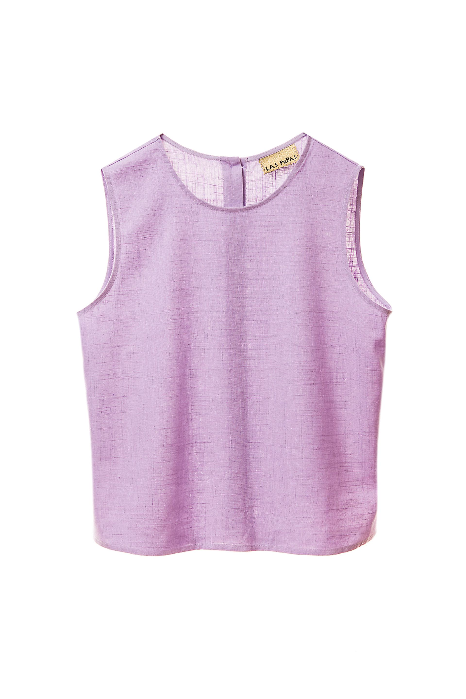 Blusa de lino con botones en la espalda ($ 1.790, Las Pepas).