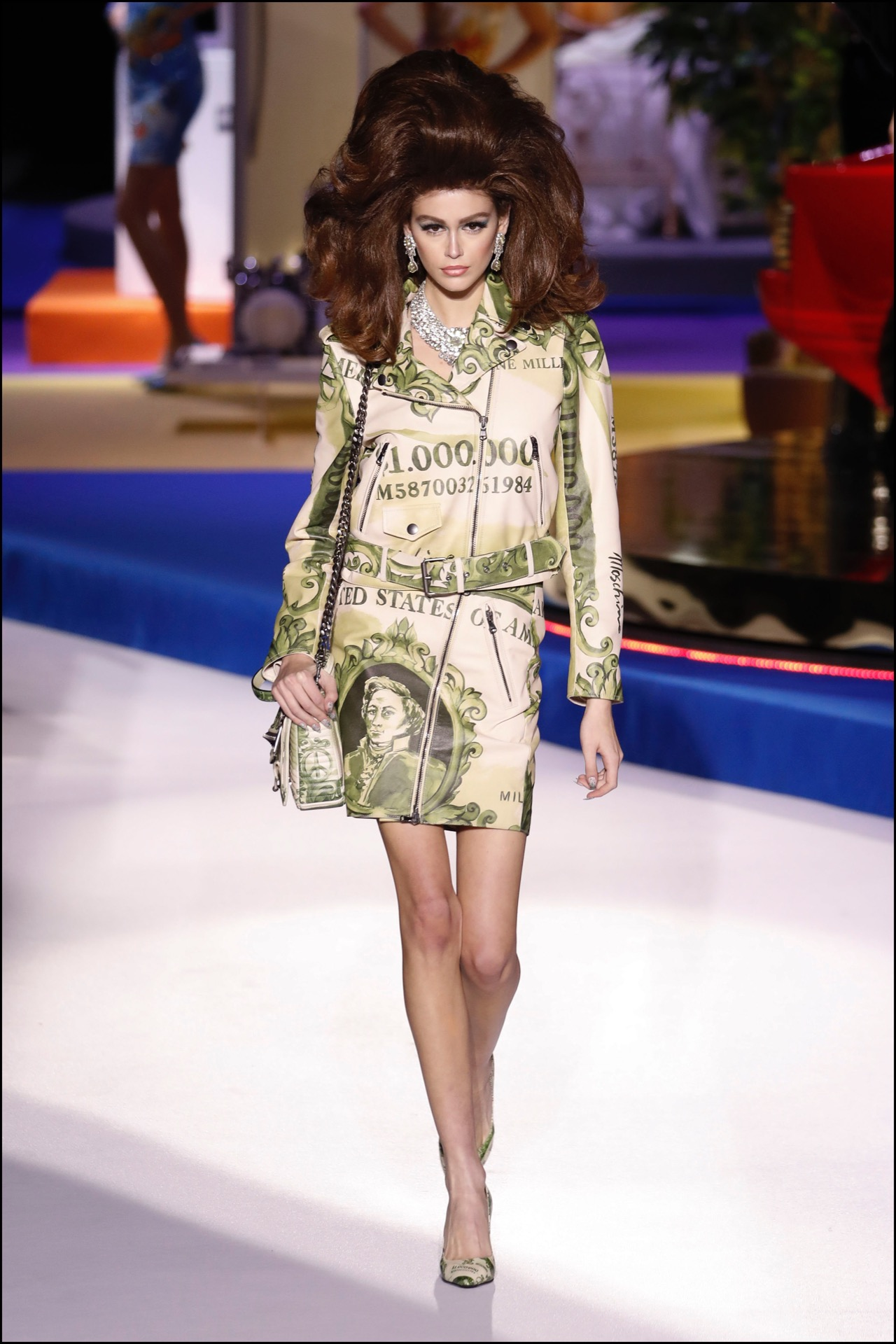 "Kaia Gerber - DÈfilÈ Moschino ""Collection PrÍt-‡-Porter Automne-Hiver 2019/2020"" lors de la Fashion Week de Milan (MLFW), le 22 fÈvrier 2019. Moschino Fashion Show ""Ready-to-Wear Fall-Winter 2019/2020"" at Milan Fashion Week, February 22nd, 2019."