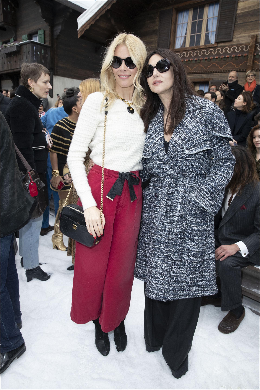 Claudia Schiffer y Monica Bellucci - en la front row