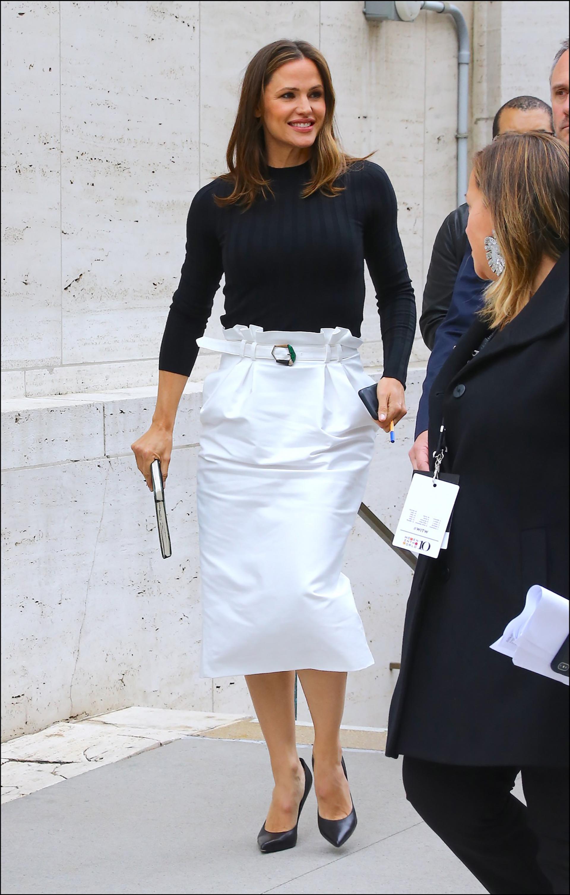 Jennifer Garner ‡ la sortie du Lincoln Center ‡ New York, le 11 avril 2019. Jennifer Garner is leaving the Lincoln Center in New York. April 11th, 2019.