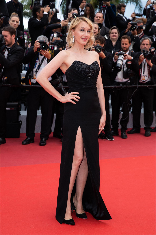 """Ludivine Sagnier - MontÈe des marches du film """"Les MisÈrables"""" lors du 72Ëme Festival International du Film de Cannes. Le 15 mai 2019 --- Red carpet for the movie """"Les Miserables"""" during the 72th Cannes International Film festival. On may 15th 2019"""