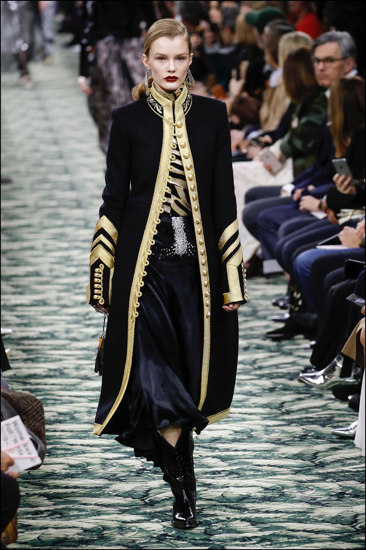 Mannequin - DÈfilÈ de mode Paco Rabanne collection prÍt-‡-porter Automne-Hiver 2019/2020 lors de la fashion week ‡ Paris, le 28 fÈvrier 2019. Paco Rabanne fashion show ready-to-wear Fall-Winter 2019/2020 during the fashion week in Paris, France, on February 28th 2019.