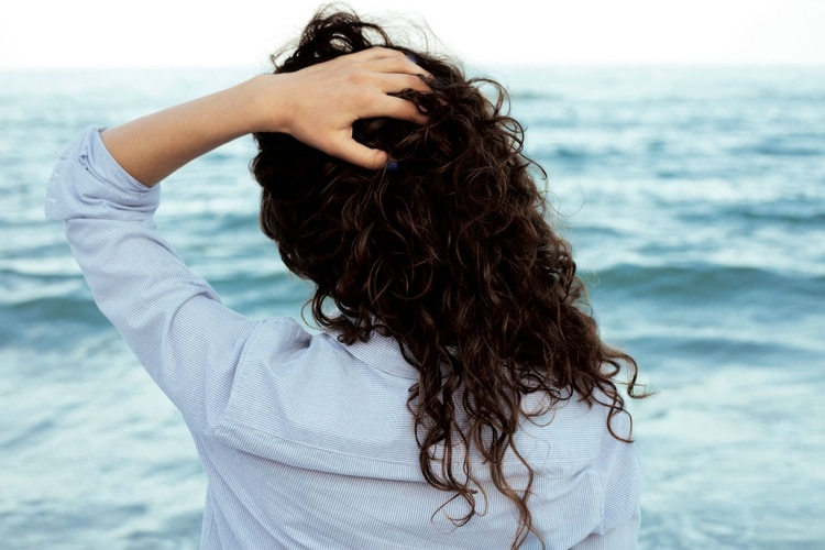 PLAYERAS. El sea salt spray o agua marina arma los rulos u ondas playeras, esas que amamos cuando salimos del mar.