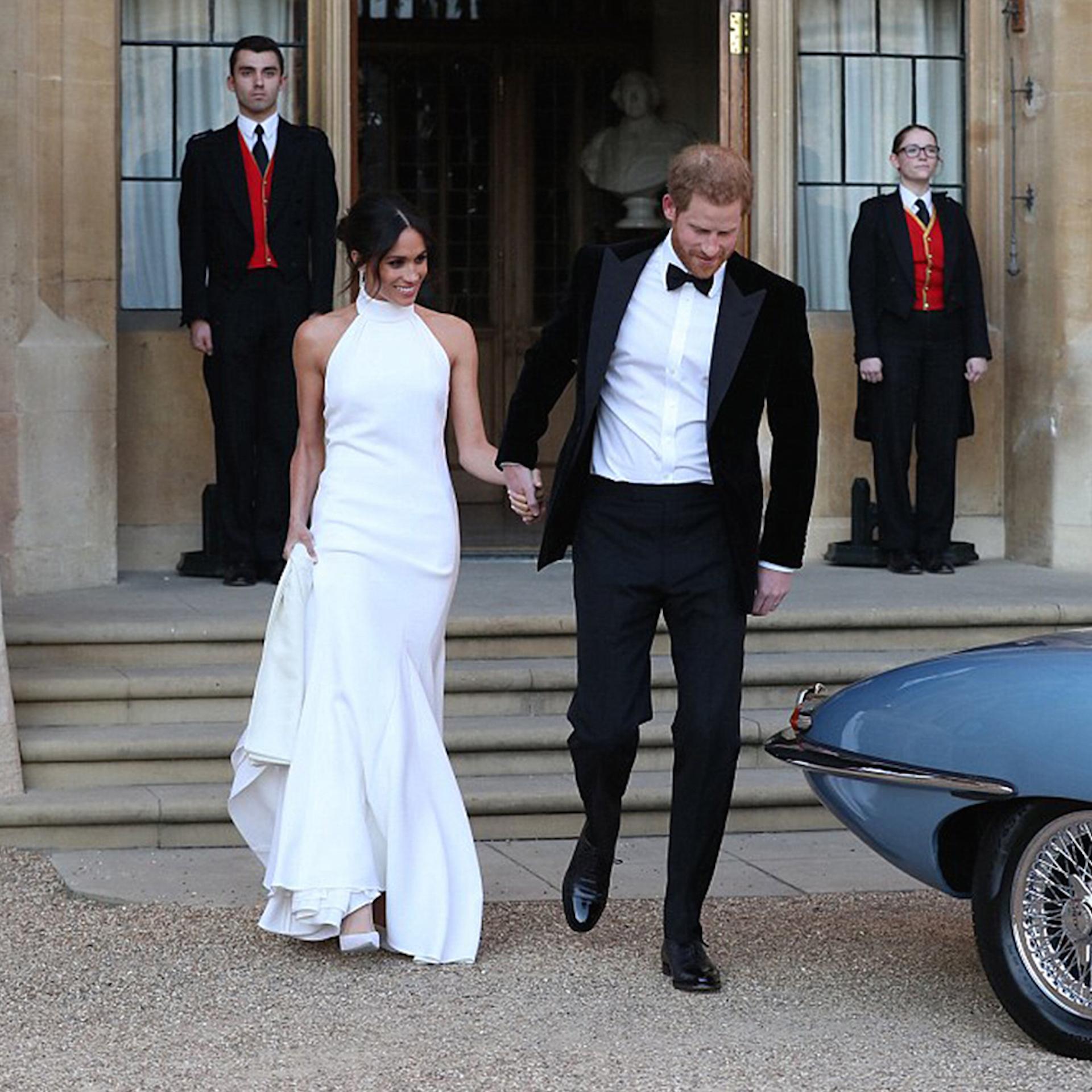 Meghan Markle el día de su boda con el príncipe Harry usando un vestido de Stella McCartney.