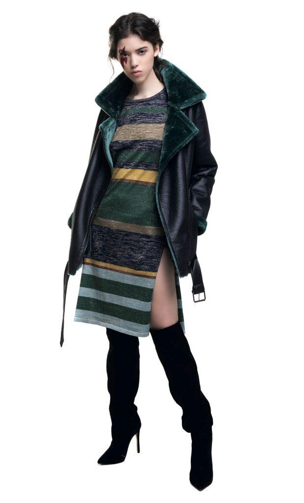 Campera de napalán con piel ($ 4.200, India Style), vestido de lúrex ($ 4.200, Rapsodia), y bucaneras de gamuza ($ 3.900, Aldo para Grimoldi).